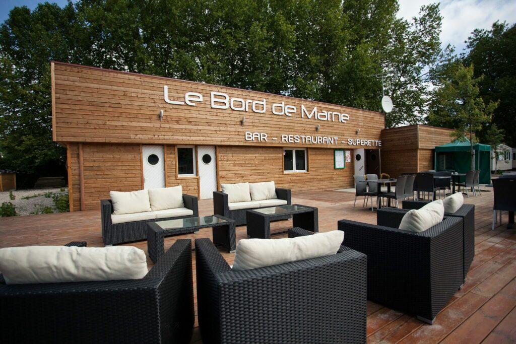 la terrasse du restaurant le Bord de la Marne